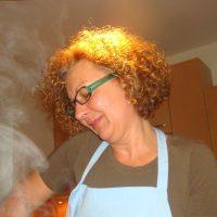 Mareli vom Genussland OÖ beim Kochen