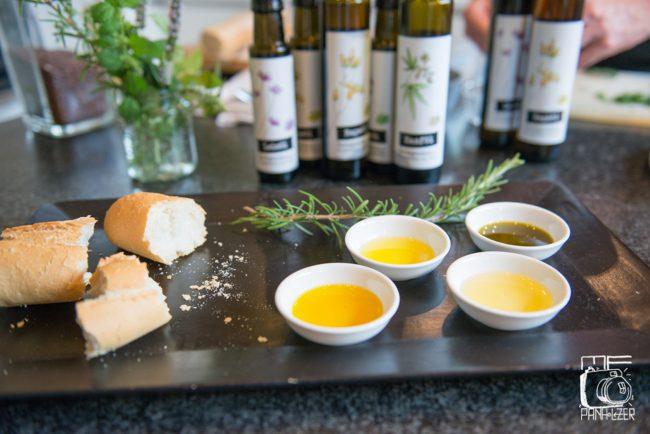 Öl in Schälchen_farmgoodies