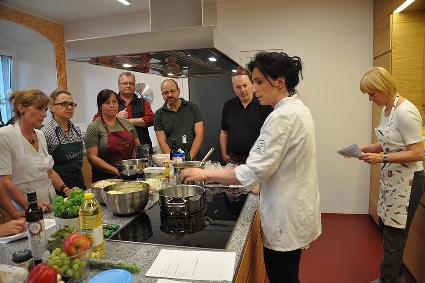 Kochkurs von der ARGE Wildbret Linz Land fotografiert von S. Nöbauer