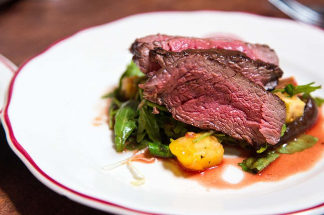 Fleisch auf Grillgemüse