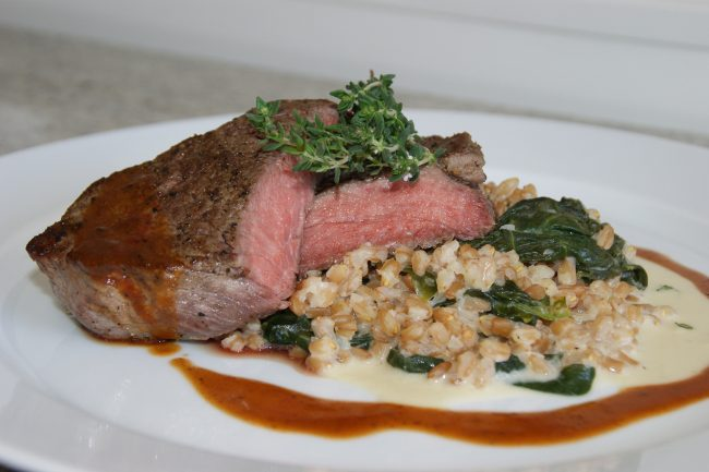 Steak mit Spinat-Dinkelrisotto (Foto: LK OÖ)