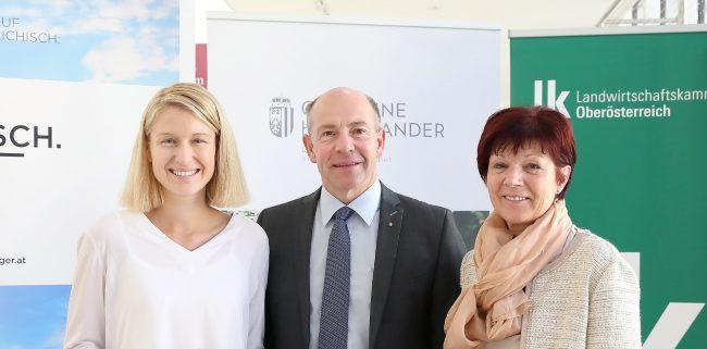LR Hiegelsberger mit LRin Haberlander und LBin Brunner