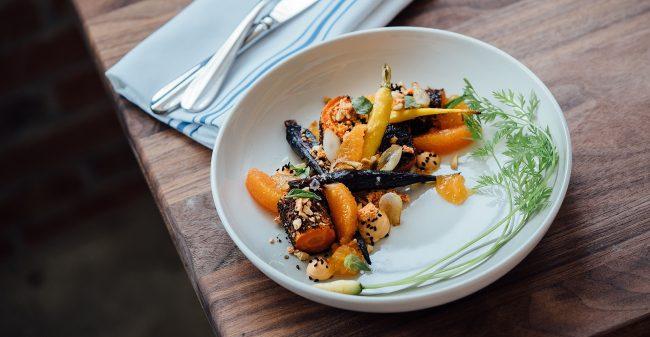 Ofen-Wurzelgemüse mit Orange und Bohnencreme
